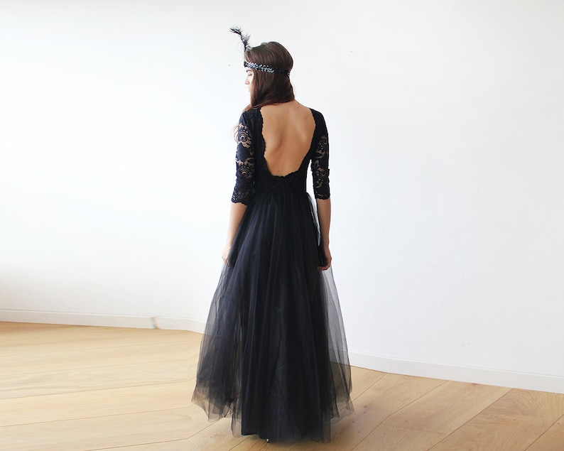 1f7e8e5fe78 Tulle noir et dentelle ouverte au dos robe dentelle dos nu et