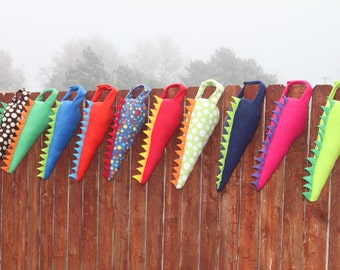 Set of 10 Fleece Dinosaur Dragon Tails Party Favor