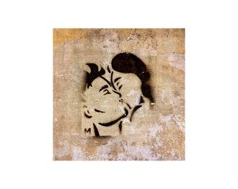 Sweet Kiss Photo, France Romance, Lovers, Valentine's Day, Anniversary, I Love You, Street Art