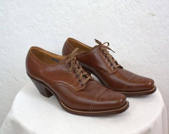 93cc314976c3d On Sale 1960's Children's Brown Leather Oxford Shoes   Etsy