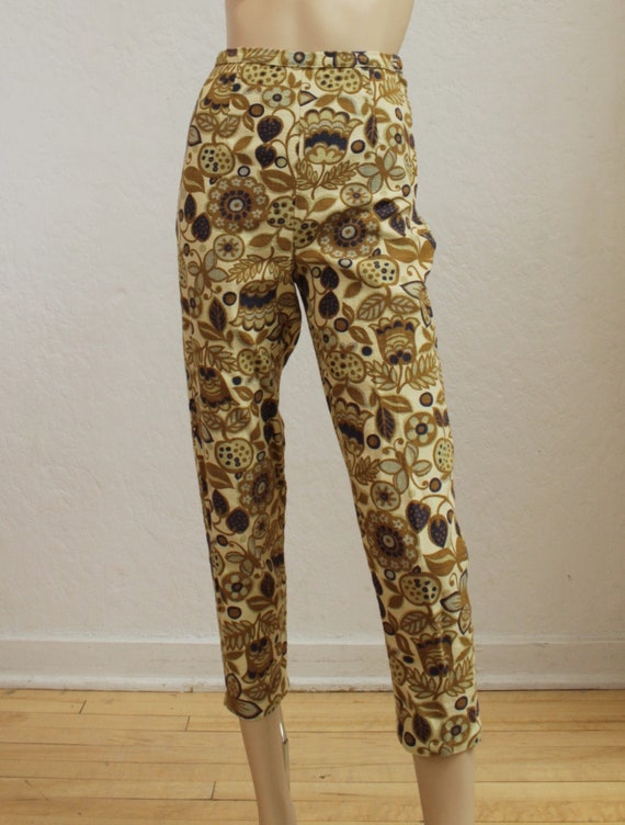 1950's Cotton Floral Cigarette Pants / Ankle Lengt