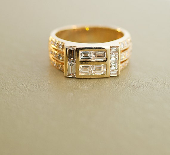 Vintage Men's 18k Yellow Gold and Diamond Ring