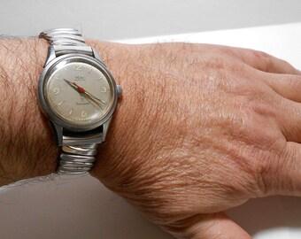 4354b0efd27 Wyler Incaflex Dynwind Self-winding Wristwatch Keeps accurate time