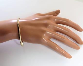 14 K Solid Yellow Gold Single Sapphire not hollow Bangle Bracelet