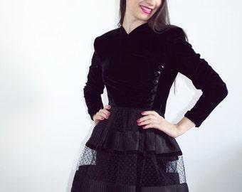 2bbb781b74f7a8 Fluweelzwart jurk Valentino kleine zwarte jurk Haute Couture Valentino  Boutique ontwerper Coctail jurk High Fashion zwarte trouwjurk