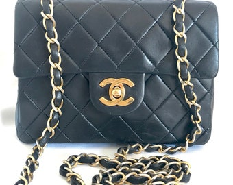 a57b22c389b0 Vintage CHANEL black lamb leather flap chain shoulder bag