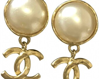 5b416e482ce3 Vintage CHANEL round white faux pearl and golden CC dangle earrings. Iconic  CC mark. Hot gift.