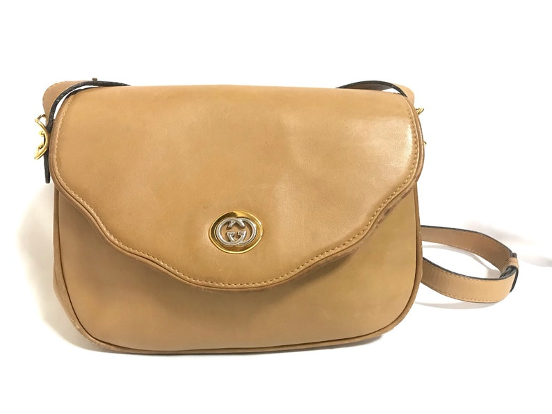 b177022b79fa Vintage Gucci nude brown leather shoulder bag with golden and
