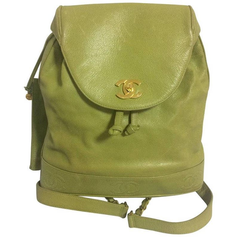 e2aa6c12be Vintage CHANEL green caviar leather backpack with gold chain
