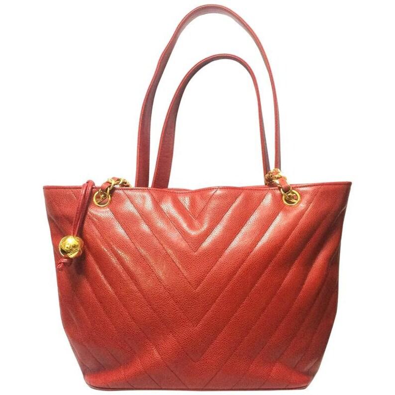 96835ee05ea253 Vintage CHANEL red caviarskin v stitch chevron style chain   Etsy