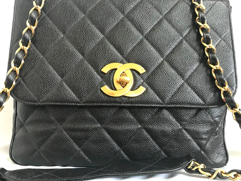 d4b2303ff1c0 Vintage Chanel classic large black caviar leather 2.55 square
