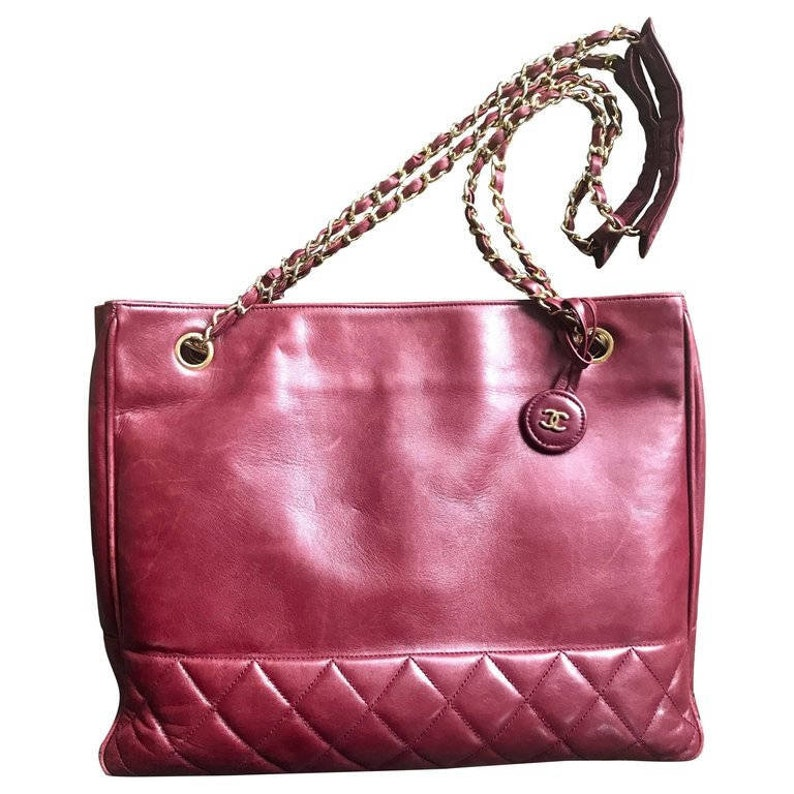 45a9992b7cd3 Vintage CHANEL wine leather tote bag with gold chain handles