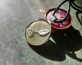 Pearl Nest Resin Pendant/Keyfob