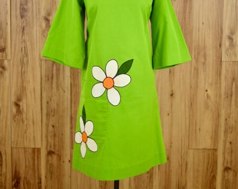 1970s Avocado Green Flower Dress, Seventies Green Bell Sleeve Dress L, Mod Dress w/ Mandarin Collar, Park East by Swirl, Flower Power Dress