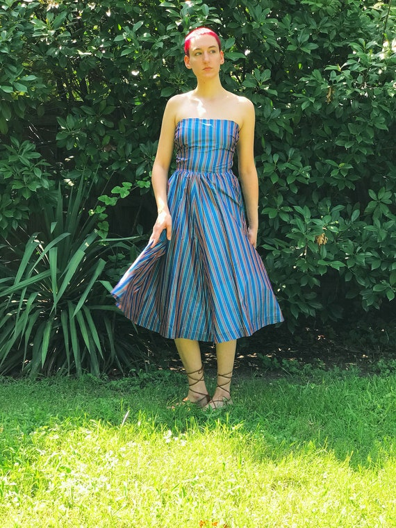 1970s Strapless Blue & Purple Striped Mid-Length S