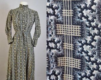 Antique Victorian Calico Dress Wrapper in Fabulous Print XXS 1890s Edwardian