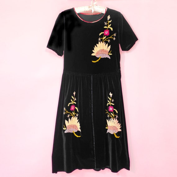 Vintage 1920s Dress Embroidered Black Velvet Flora