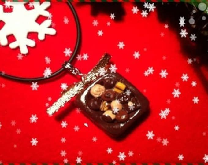 Trimmed Christmas ref 102 chocolate Chocolate Cupcake necklace