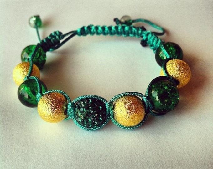 Bracelet adjustable Shamballa beads cracked glass and green rhinestones