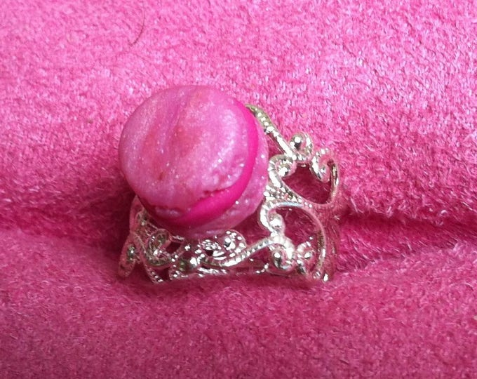 Ring pink macaroon mini