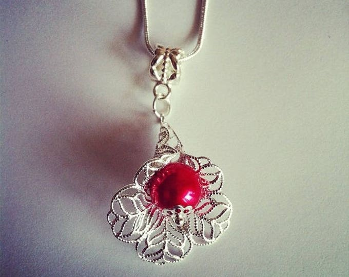 Red glass bead flower pendant chain
