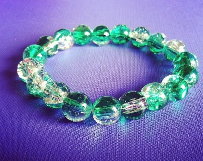 Bracelet large green transparent cracked beads