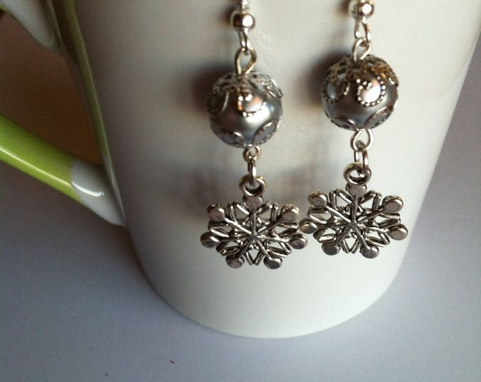 Snowflake and grey Pearl Earrings