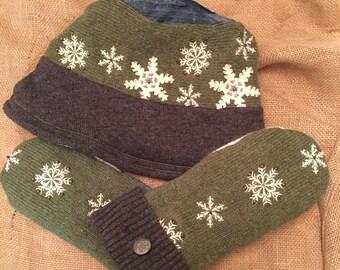 Snowflake hat and mitten set