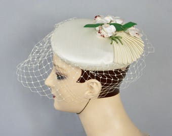 2ee9e6109e09d Vintage Leaf   Floral Silk Applique Bridal Wedding Fishnet Veil Cloche Hat