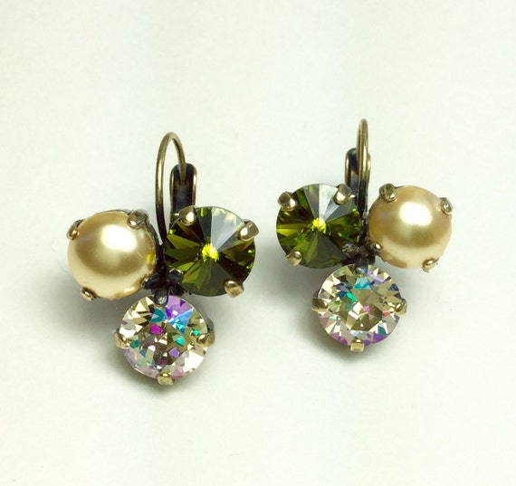 Swarovski Crystal 8.5mm Earrings   Three Stone - Lucky Clover Earrings   Olive, Luminous Green, Lt. Gold Pearls  FREE SHIPPING