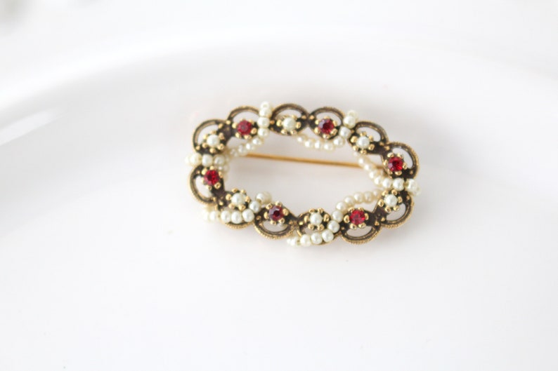 BROOCH Vintage Pin or Brooch Faux Ruby Stones and Pearls image 0