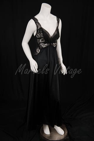 Olga Nightgown Negligee Rare Style 92060 Black Lace Bodice with Sweeping Skirt Size Small Beautiful Chiffon Trim