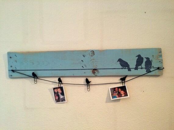Vögel auf einem Draht blau rustikalem Holz Bild Anzeigetafel