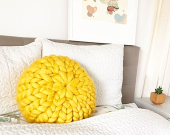 Yellow Round Chunky Knit Pillow, Wool Knit Pillow, Merino Wool, Decorative Pillow, Chunky Knit Cushion, Hand Knitted Pillow, Ship from USA