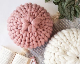 Rose Pink Round Chunky Knit Pillow, Wool Knit Pillow, Merino Wool, Decorative Pillow, Knit Cushion, Hand Knitted Pillow, Ship from USA