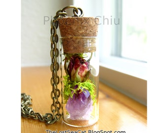 Raw Amethyst pendant Crystal Real Rose Necklace Miniature terrarium necklace Terrarium jewelry Wearable Plant Necklace Dried Flower Jewelry