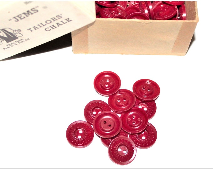 """Vintage 3/4"""" Burgundy Buttons, Wine Colored Buttons, House Dress Buttons"""