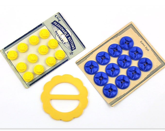 Vintage 1940s, Button Cards, Sunshine Yellow Flower Shaped Buttons and Royal Blue Buttons