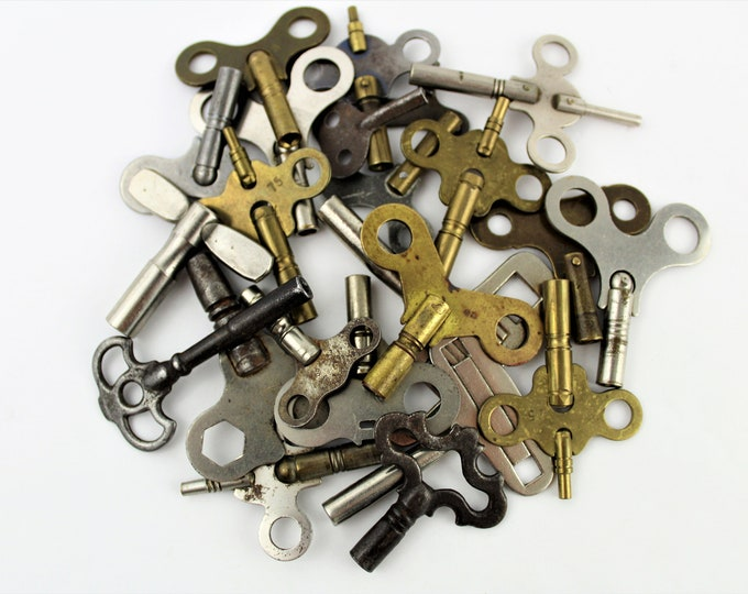 Antique Keys / Clock Keys / Lot of 23 Clock Keys / Key Collector