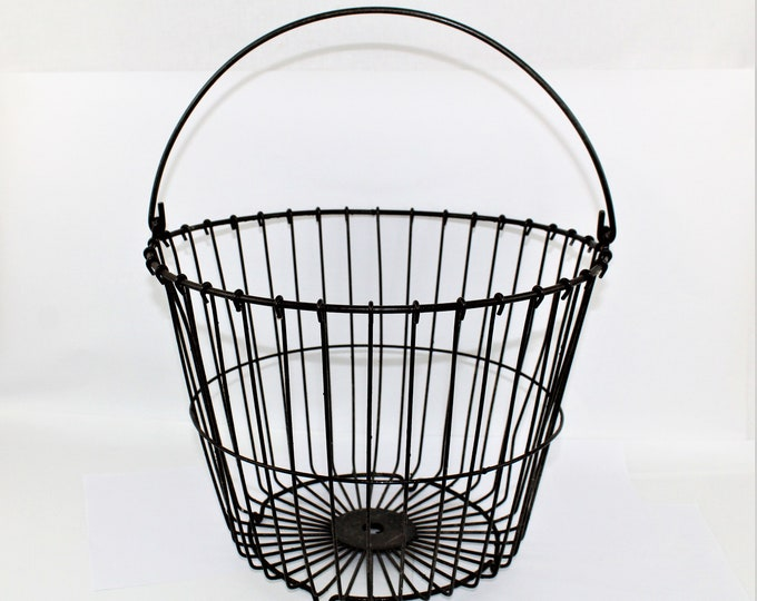 Vintage Farm Basket / Wire Basket / Egg Gathering Basket / Rustic Wire Basket