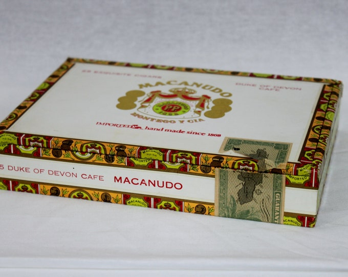 Vintage Macanudo, Duke of Devon Café Wooden Cigar Box, Kingston Jamaica