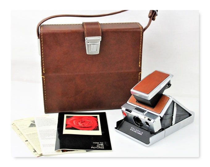 Vintage 1974 Polaroid SX-70 Land Camera with Leather Carry Case
