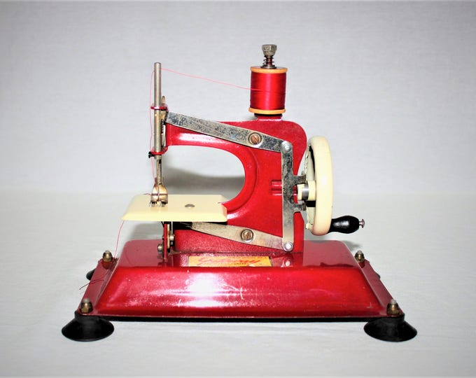 Vintage Toy, 1950s Gateway Junior Model NP-1, Toy Sewing Machine, Bright Red, Made in the USA