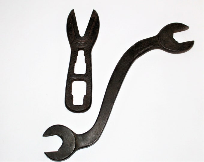 Antique Tractor Wrenches, Alligator Wrench, Antique Tool