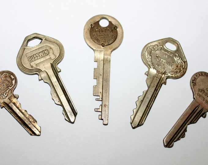 Lot of 5 Old Vintage Antique Retro Mid-Century Modern Steampunk Jewelry Keys