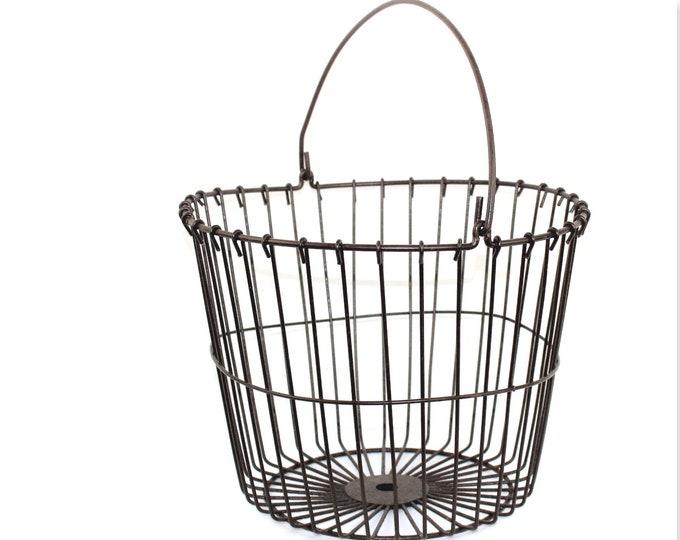 Vintage Farm Basket / Wire Basket / Egg Gathering Basket / Rustic Wire Basket