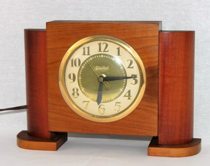 Mid-Century Modern 1950s United Mantel Clock