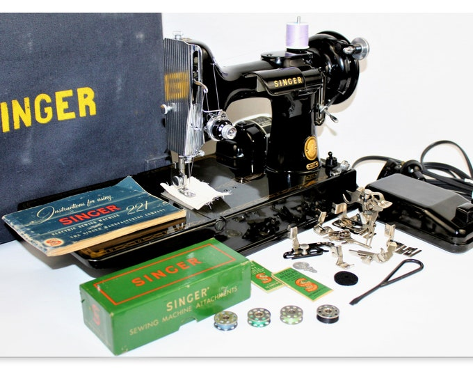 Singer 221 Featherweight Sewing Machine, Precision Sewing