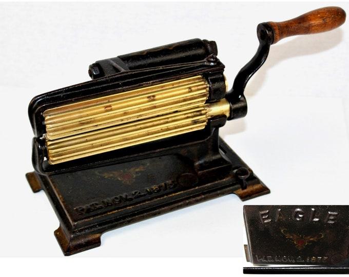Antique 1875, Hand Crank Fluting Machine, Victoria Seamstress Tool, Clothing Ruffler