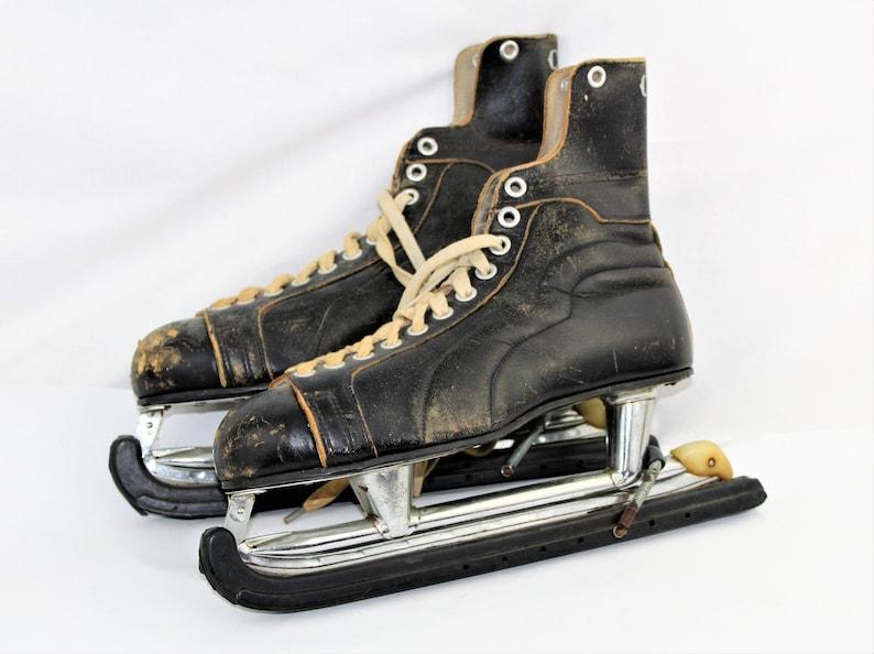 dc4036934 Vintage Skates Canadian CCM Hockey Skates Christmas Decor